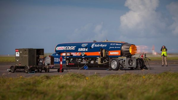 Bloodhound Super Sonic Car 2 600x338 Video en 360 grados: El carro más veloz del mundo
