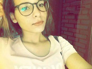 Karina Saifer Oliveira 3 Se suicida por rumores de que su ex jevo publicó fotos íntimas de ella