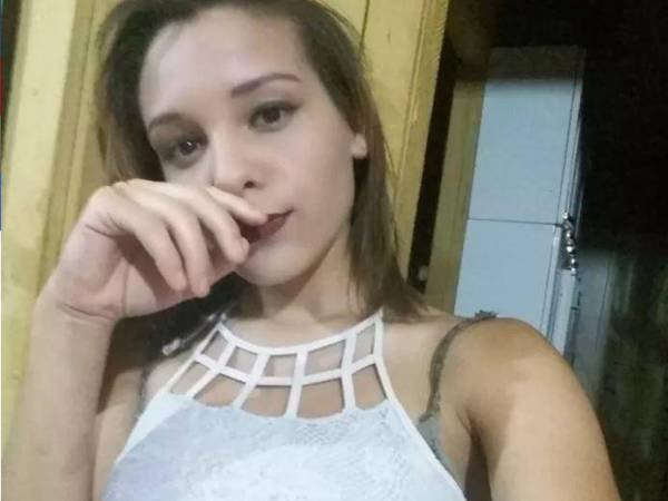 Karina Saifer Oliveira 600x450 Se suicida por rumores de que su ex jevo publicó fotos íntimas de ella