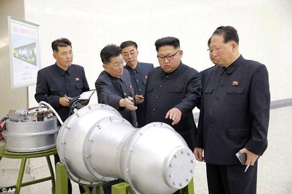 Kim 600x399 Corea del Norte envió una carta a Rusia advirtiendo que bombardearía EEUU
