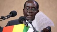 Zimbabwe 1 200x113 Dictador de Zimbabwe renuncia; tenía 37 años con la ñoña