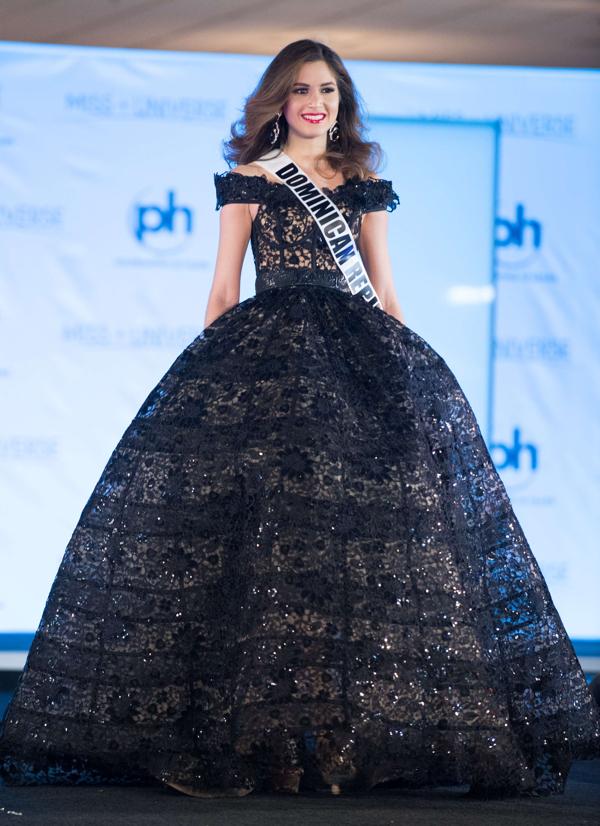 carmen munoz 1 600x826 Miss Universo 2017: Latinas en vestido de gala (Fotos)