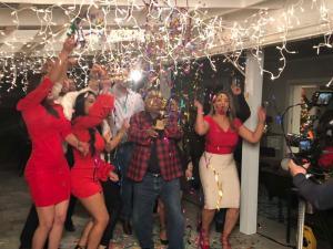 Jingle Navideño de Telemundo con Pochy Familia