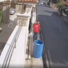 El caso del hombre sacando la basura