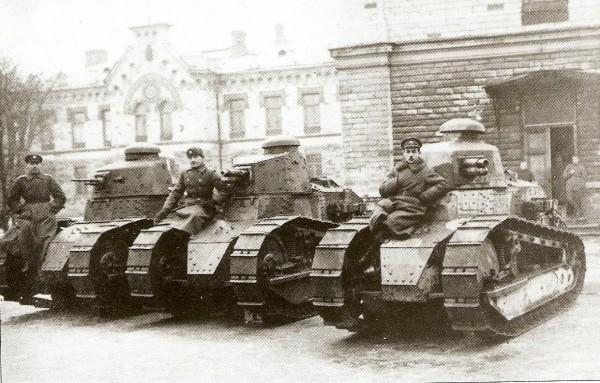 Renault-FT-17-вдъхновението за Cartier Tank