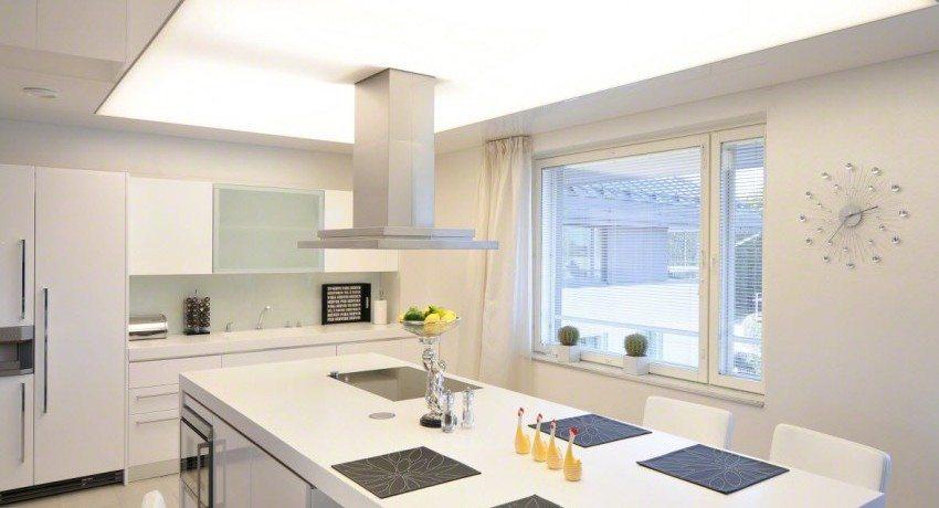 дизайн натяжных потолков на кухне фото 6