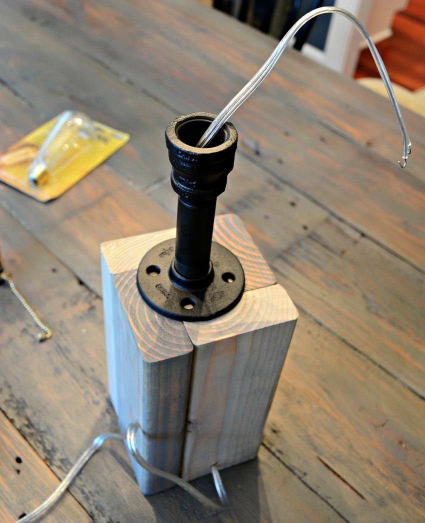 对于自制灯泡,最好使用带螺纹法兰的墨盒