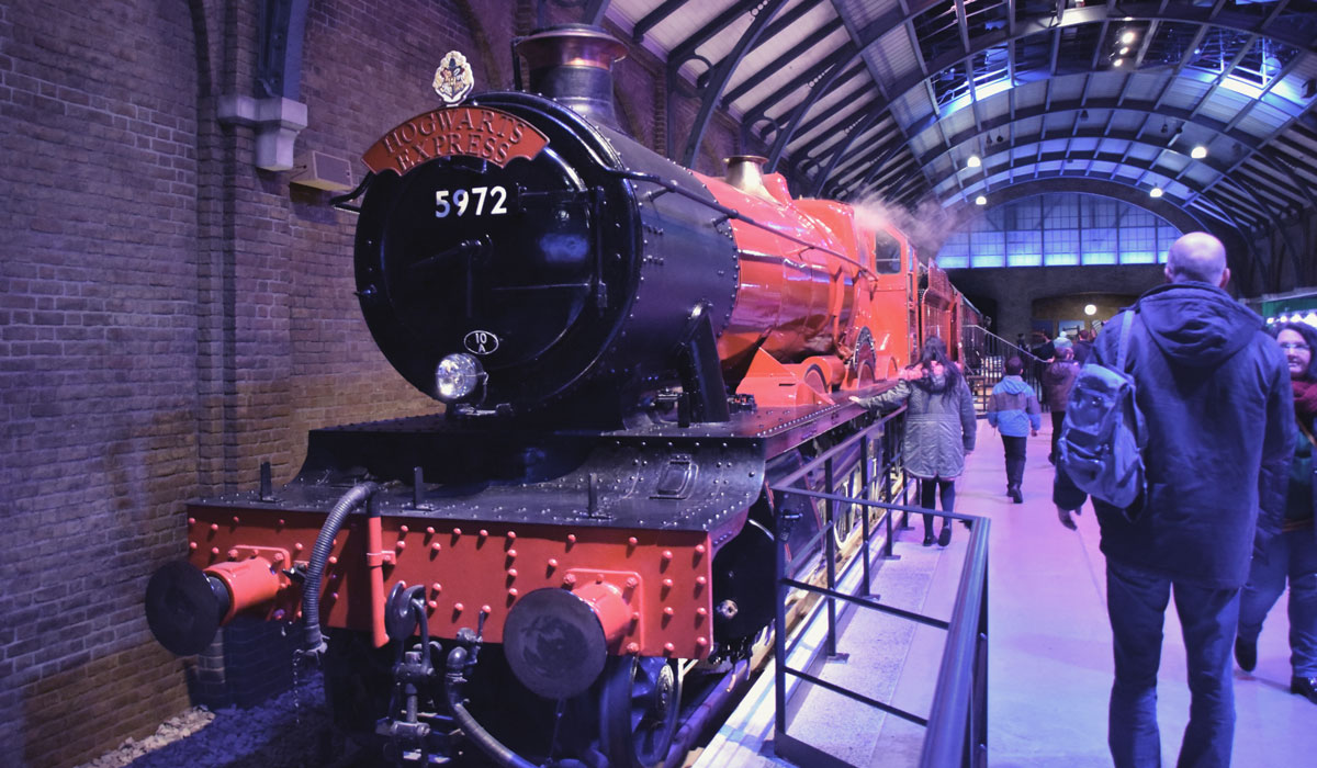 The Making of Harry Potter - WB Studio Tour London - Hogwarts Express