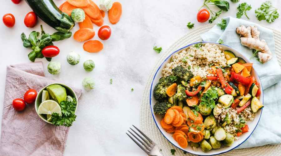 flat lay photography of vegetable salad on plate