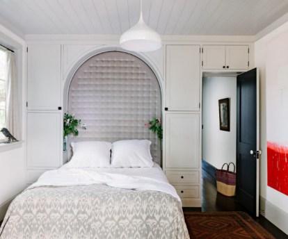 small bedroom design space near the door