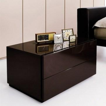bedside table minimalism