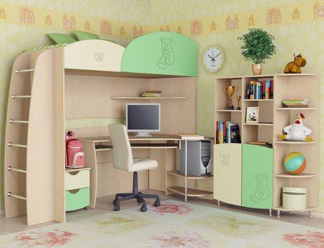 desk in the nursery 4