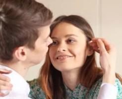 男性がキスする場所に意味がある!?その心理を解説