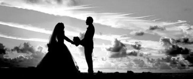 恋愛と結婚は別 結婚式 夕暮れ