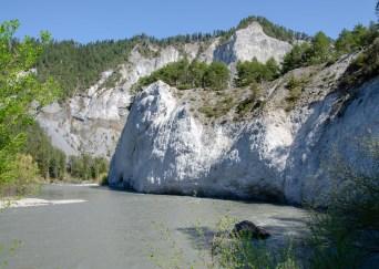 Ruinaulta und der Vorderrhein bei Chli Isla