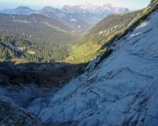 First: steil abfallende Schrattenkalkmulde