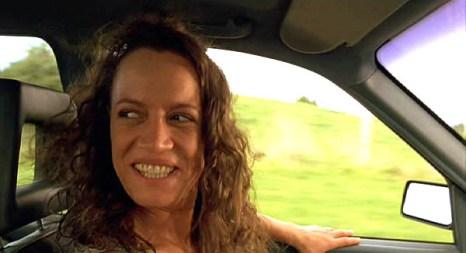 Beth Heke (Rena Owen) 9