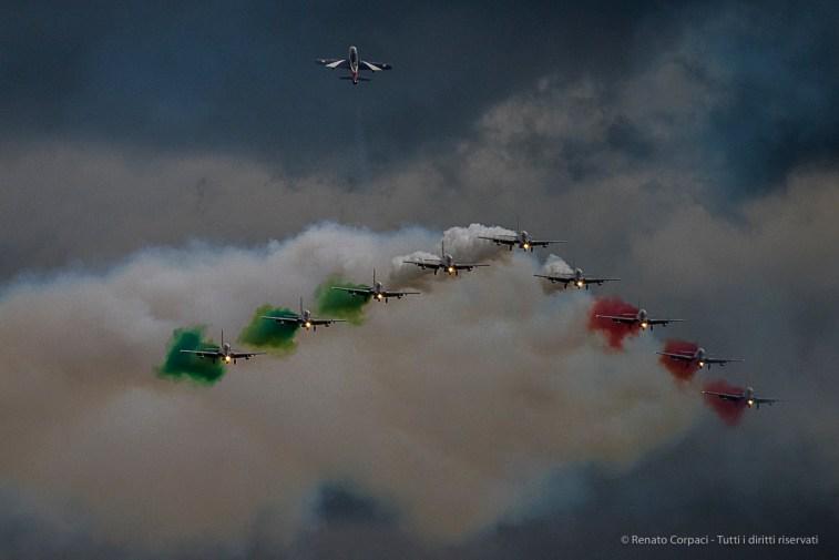 "Frecce Tricolori, ""Big Wing And Return Of The Soloist"". Nikon D810, 400 mm (80-400.0 mm ƒ/4.5-5.6) 1/2000 sec ƒ/5.6 ISO 1250"