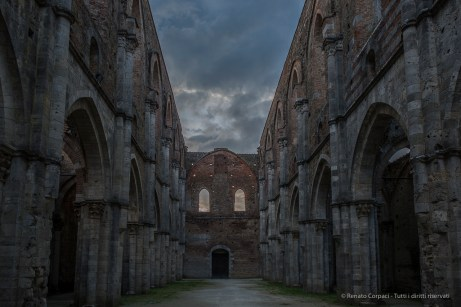 """Facing West along the nave from the transept. Nikon D810, 24 mm (24.0 mm ƒ/1.4) 1/125"""" ƒ/3.2 ISO 100"""