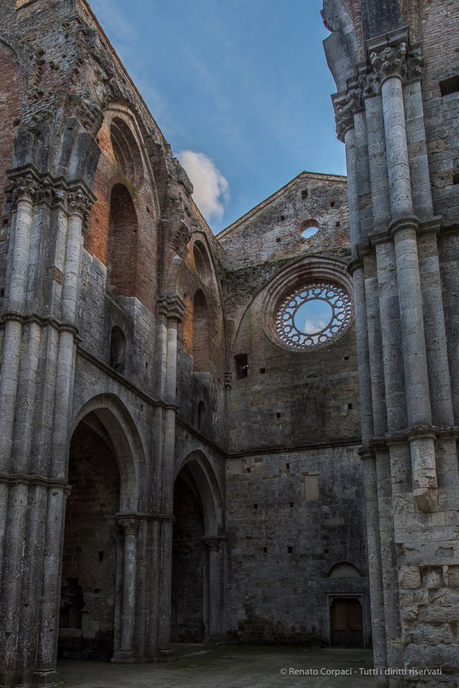 """The rosette over the transept southern end is the only one to survive. Nikon D810, 24 mm (24.0 mm ƒ/1.4) 1/125"""" ƒ/3.2 ISO 100"""
