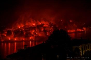 Fireworks. Isola Comacina. Ossuccio Lario, 27 luglio 2015. Nikon D810, 35.0mm (24.0-120 mm ƒ/2.8) 5.0sec ƒ/11 ISO 100