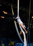 """Milano. Piccola scuola di circo. «Hypnos» - Spettacolo dei ragazzi delle scuole superiori. Nikon D750 85 mm (80-400.0 mm ƒ/4.5-5.6) 1/250"""" ƒ/5.6 ISO 6400"""