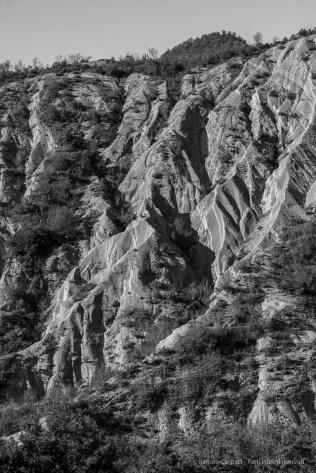 "Calanchi di Monte Silvestre. Rocce sedimentarie, prevalentemente arenarie alternate a marne. Foreste Casentinesi. Nikon D810, 85 mm (85.0 mm ƒ/1.4) 1/160"" ƒ/8 ISO 64"