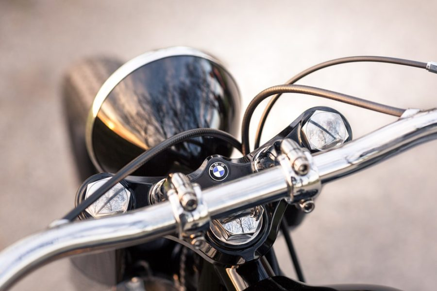 BMW R5 Hommage, Handlebars by Unique Custom Cycles
