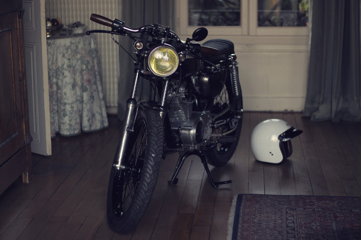 Dauphine Lamarck Honda CB125S   CustomBike.cc