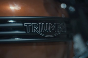 Phil Green - Dapper Bonnie Triumph | CustomBIKE.cc