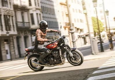 Kawasaki-Z900RS-2018-City-Rider