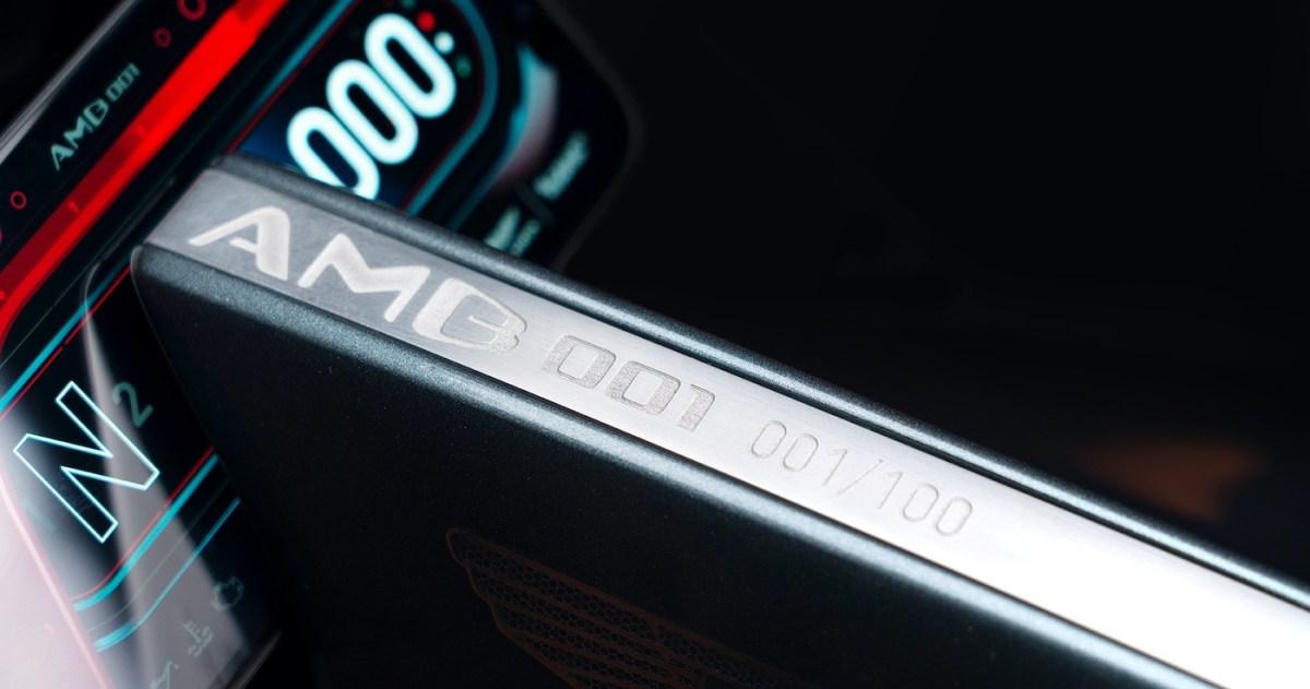 Aston Martin and Brough Superior - Body Fin