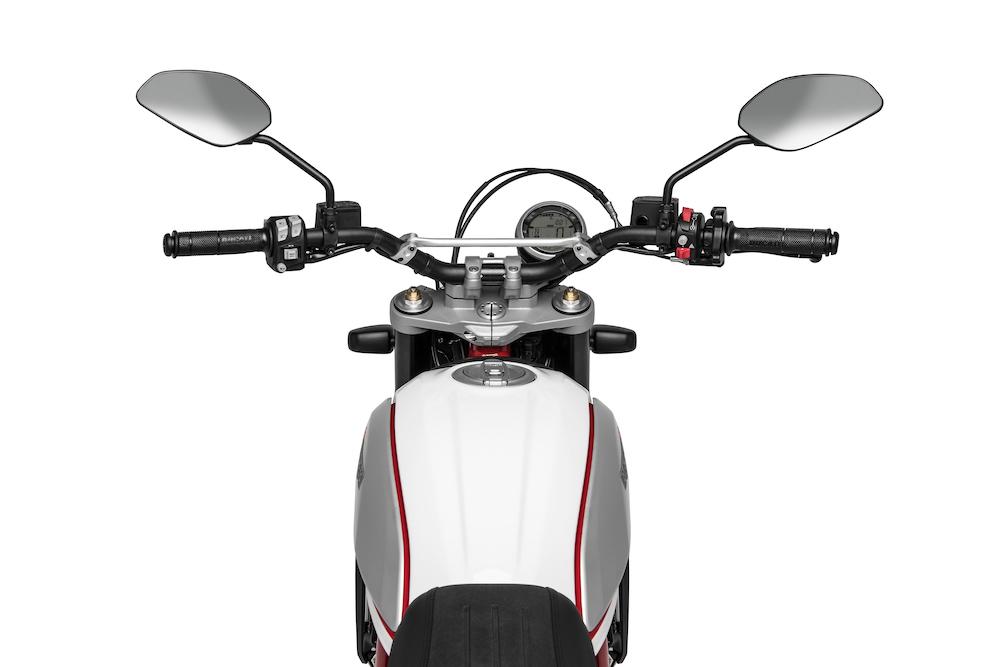 Ducati Scrambler Desert Sled 2019 cockpit
