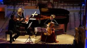 Béatrice BERRUT - piano, Camille THOMAS - violoncelle & Francesco DE ANGELIS - violon