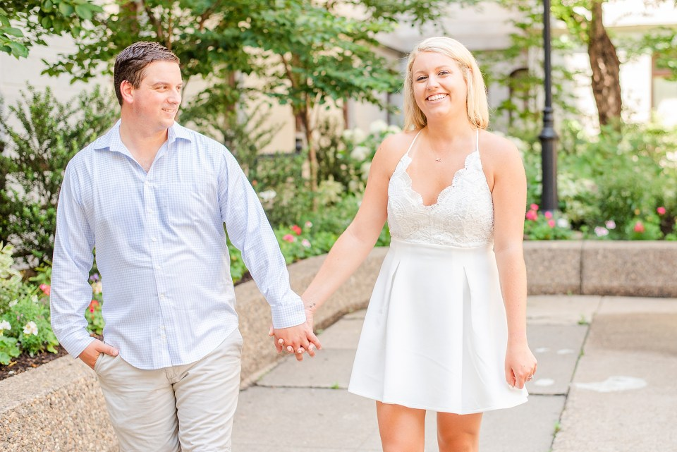 Center City engagement session by Pennsylvania wedding photographer Renee Nicolo Photography