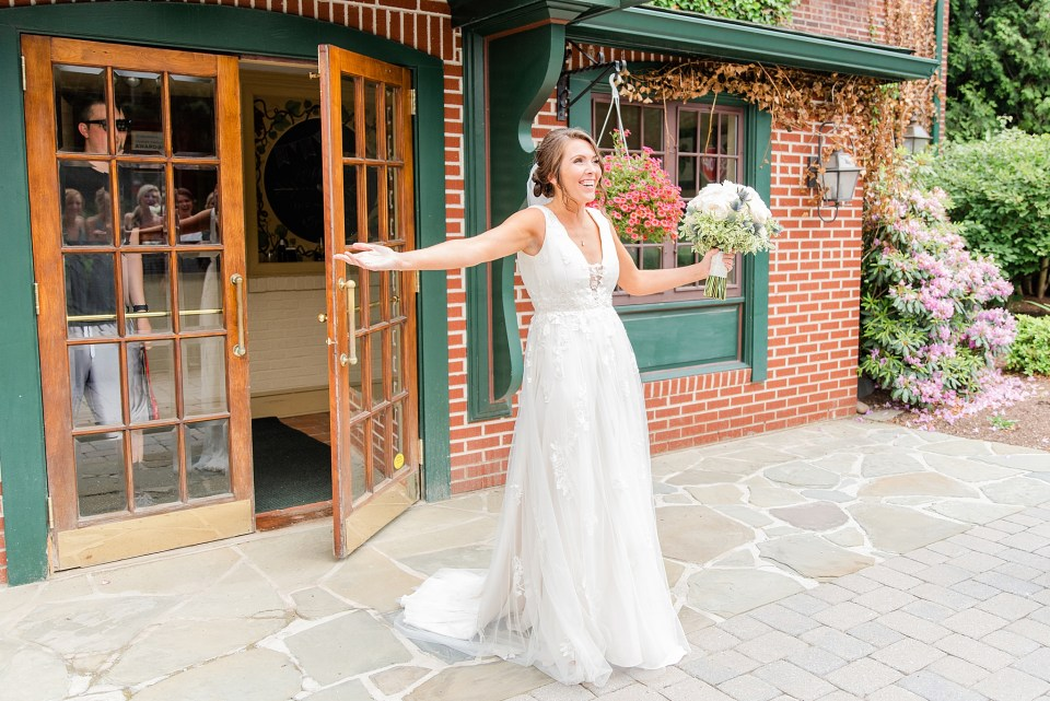 bride reveal with bridesmaids on Beaumont Inn wedding day photographed by wedding photographer Renee Nicolo Photography