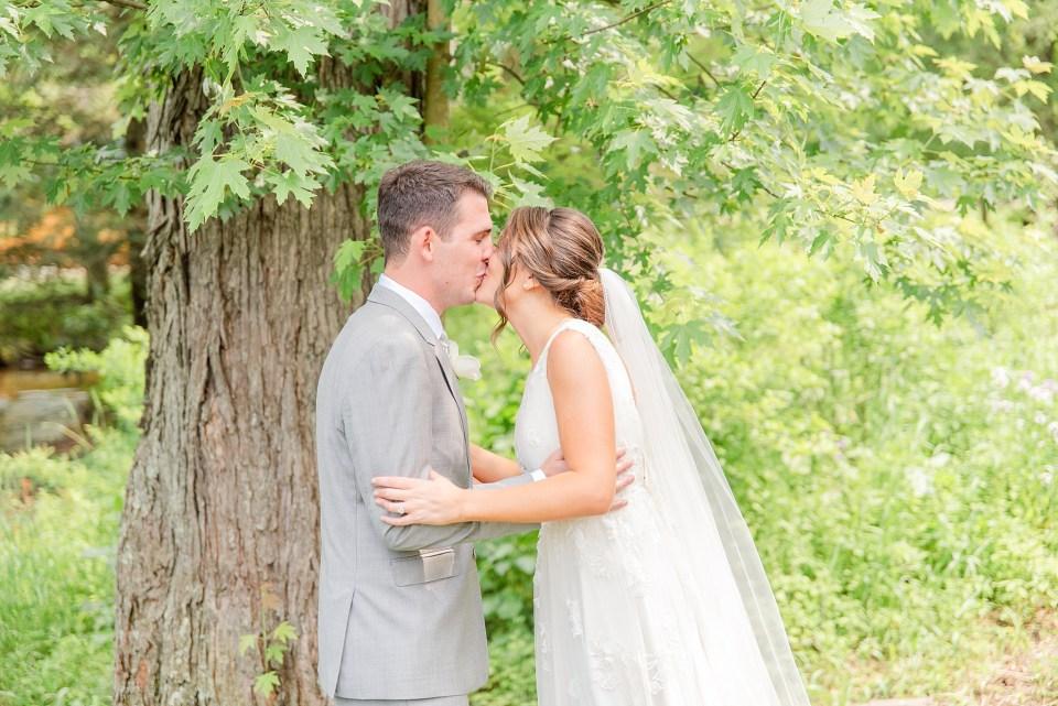 wedding portraits in Dallas PA with wedding photographer Renee Nicolo Photography