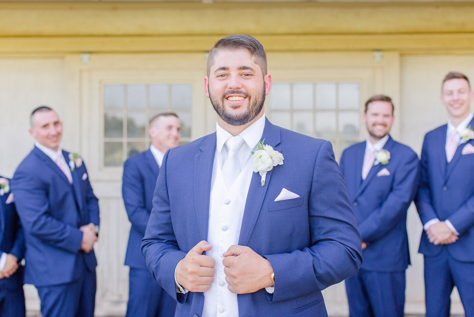 groom with groomsmen in Chester County PA by Renee Nicolo Photography