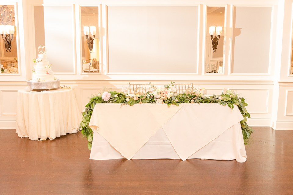 sweetheart table at French Creek Golf Club wedding photographed by Renee Nicolo Photography