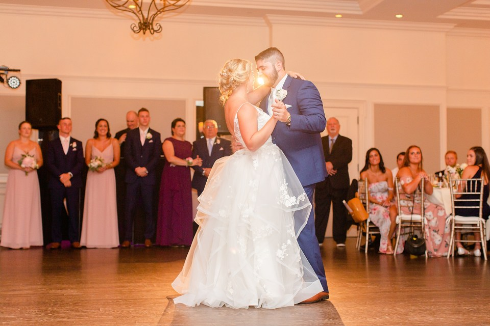 PA wedding photographer Renee Nicolo Photography captures first dance