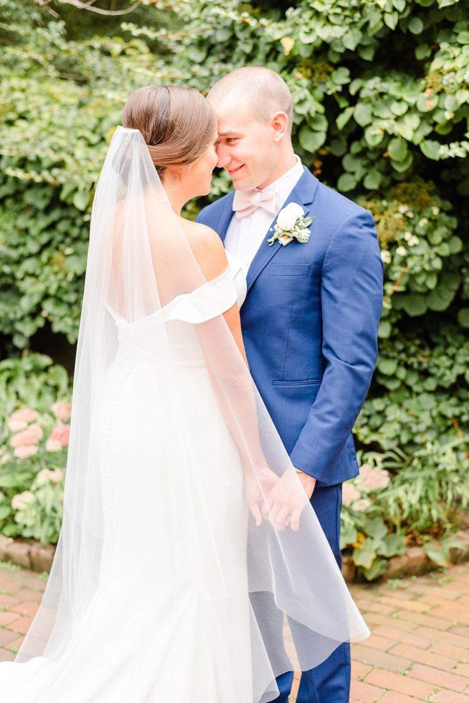 Renee Nicolo Photography photographs Pennsylvania wedding day