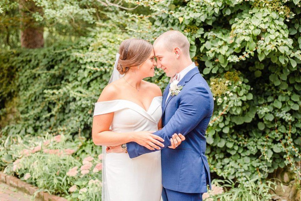 summer wedding portraits by Renee Nicolo Photography