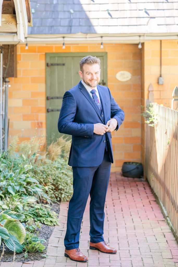 groom's portrait for PA wedding day with Renee Nicolo Photography