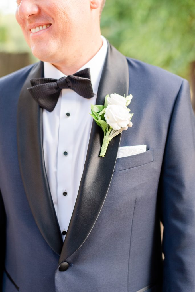groom's attire details photographed by Renee Nicolo Photography