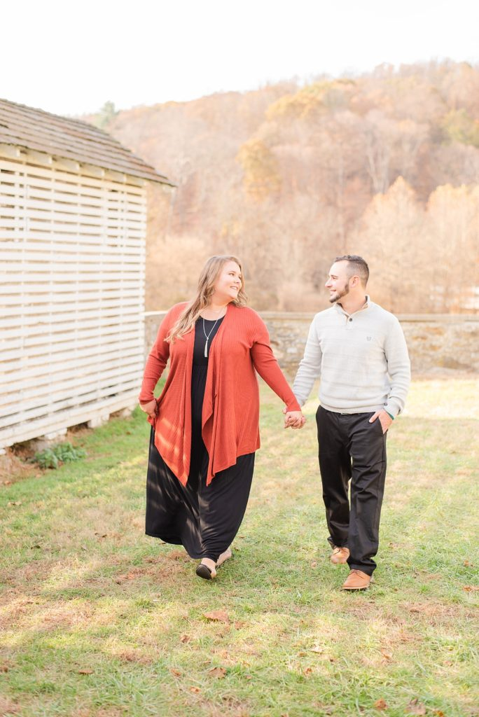 fall engagement session at Valley Forge National park by Renee Nicolo Photography