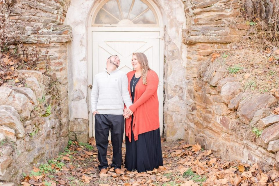 Valley Forge National park engagement session by Renee Nicolo Photography