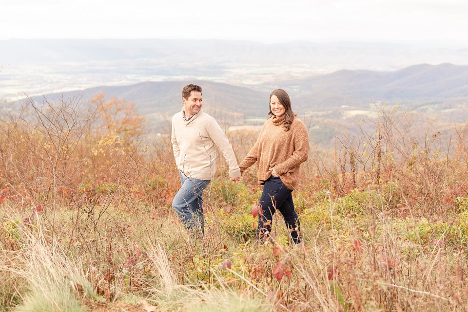 cozy fall Shenandoah National Park engagement session