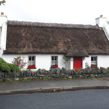 Tully Cross, traditional thatched cottage
