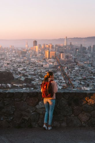 How-to-Spend-24-Hours-in-San-Francisco-Twin-Peaks-Sunset-03-Renee-Roaming
