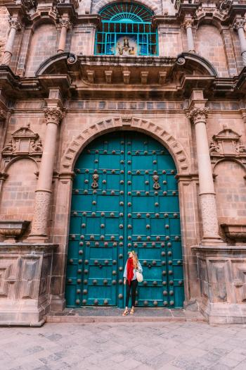 Best-Things-To-Do-In-And-Around-Cusco-Peru-Cathedral